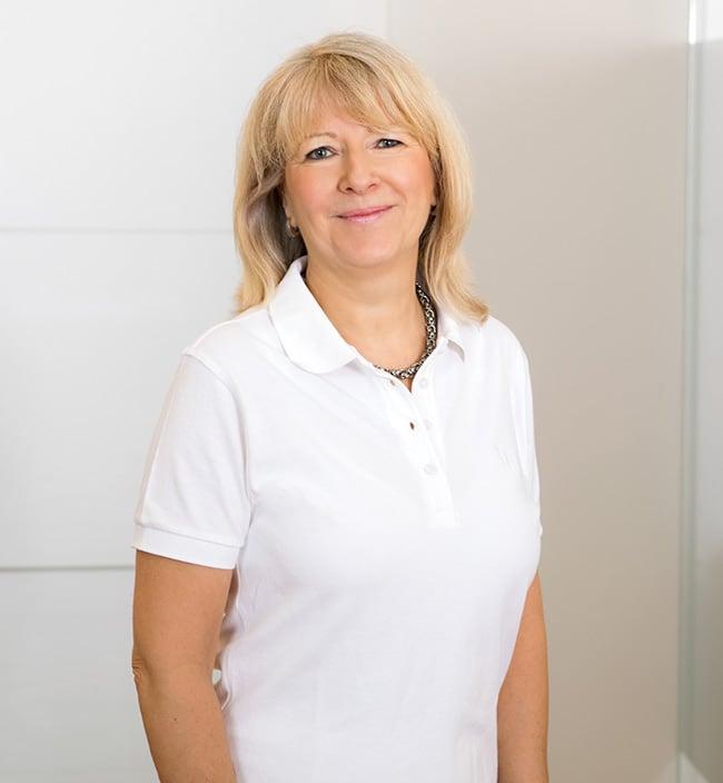 Frau Gaby Sisenis